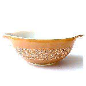 Pyrex • Woodlands print • casserole bowl